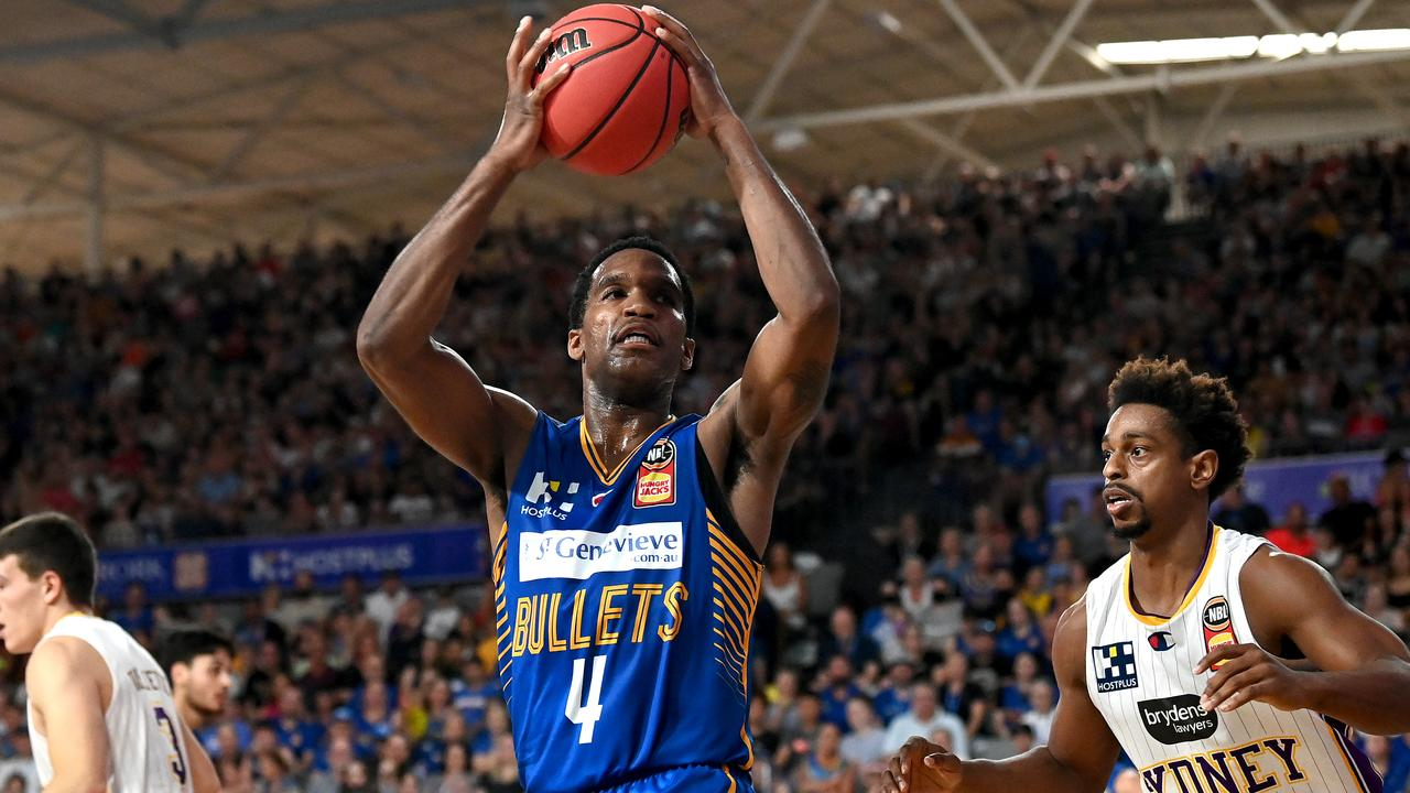 Law stars for Bullets in win over Kings