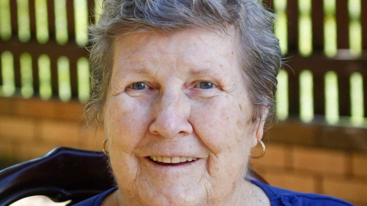 Qld health authorities reject son's bid to see dying mum